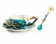 almond-teacup
